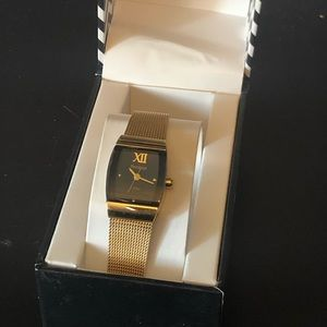 Armitron ladies watch with mesh gold metal band